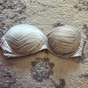 White & gray zebra print strapless push-up bra